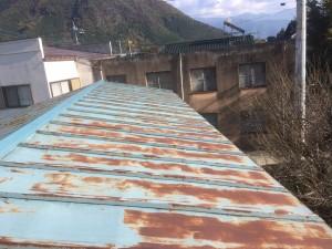 倉庫トタン屋根塗装