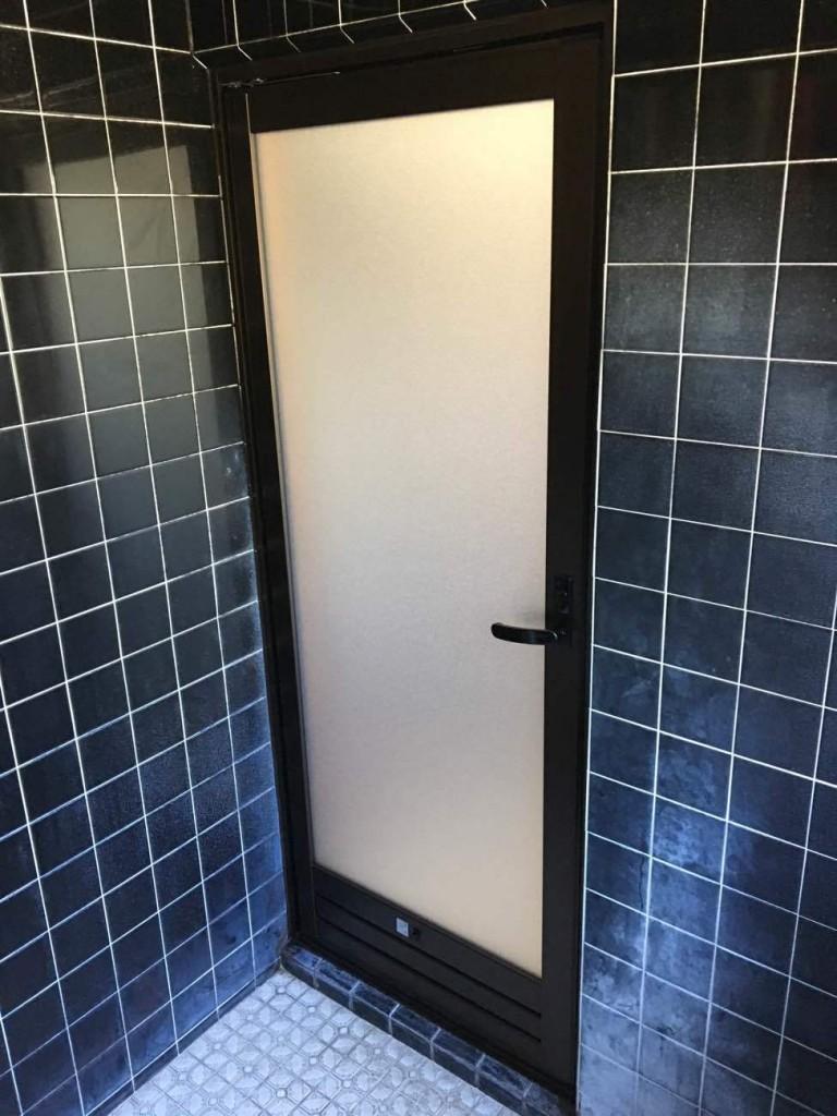 浴室ドア取替工事